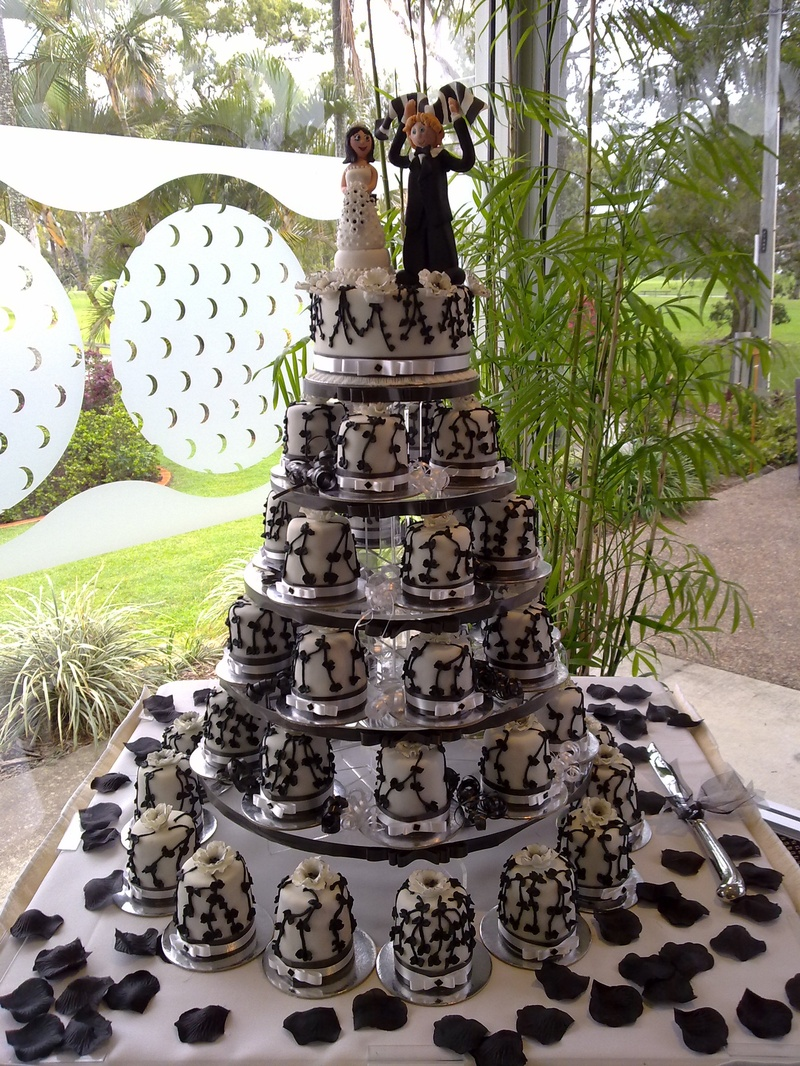 wedding engagement cakes. Black Bedroom Furniture Sets. Home Design Ideas